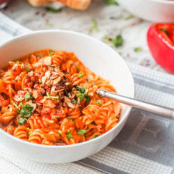 Vegan Roasted Red Pepper Pasta {GF}