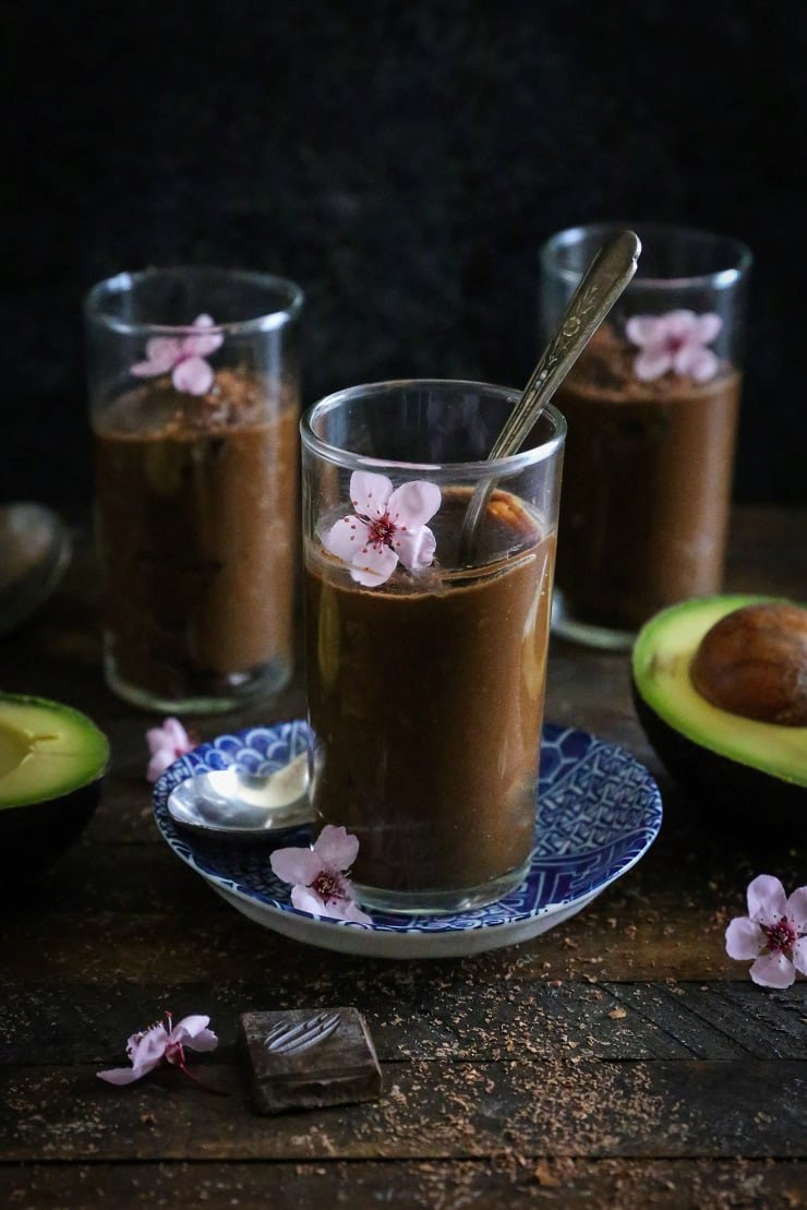 Healthy 4-Ingredient Chocolate Mousse