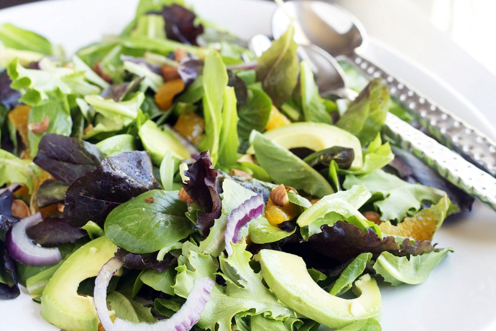 Baby Greens with Avocado, Oranges, and Red Onion