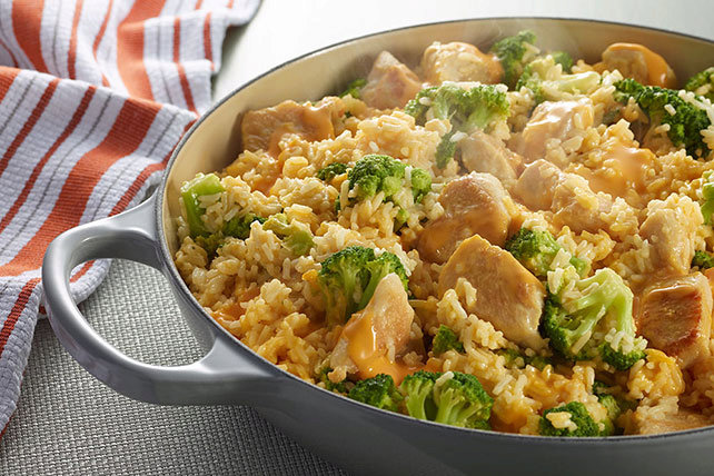 VELVEETA® One-Pot Cheesy Chicken and Broccoli Rice