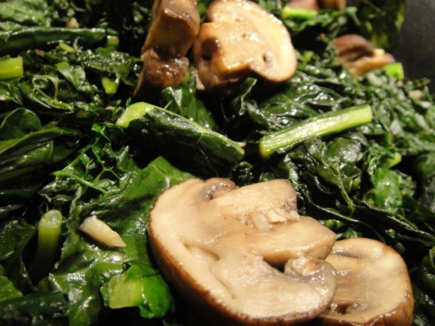 Cook the Book: Garlicky Mushrooms and Kale