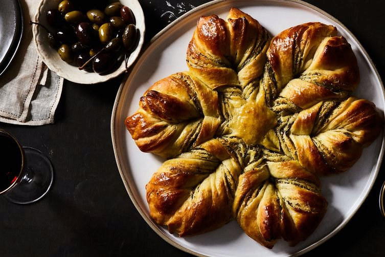 Cheese and Herb StarBread