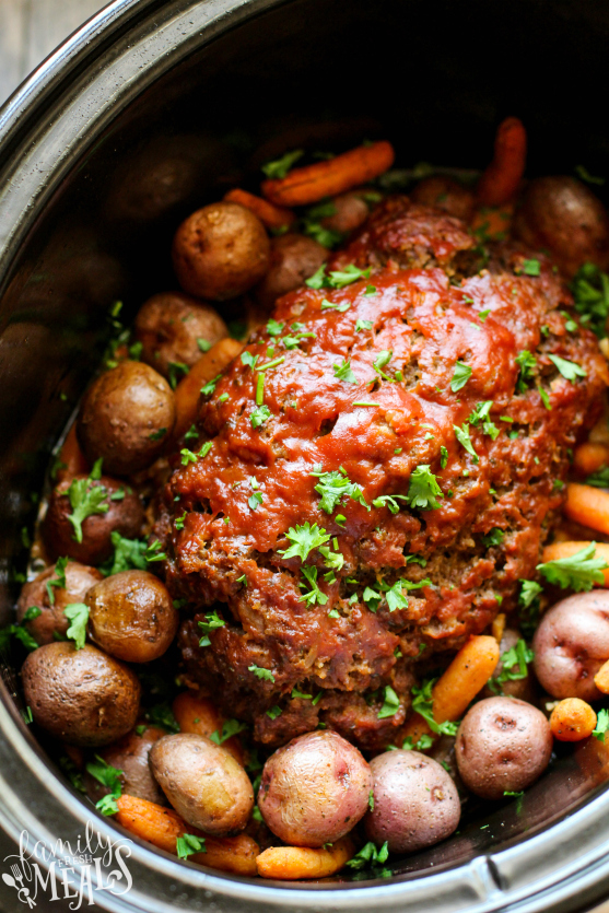 Easy Crockpot Meatloaf Dinner