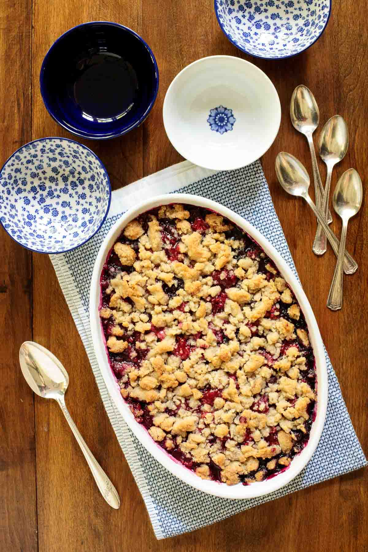 Ridiculously Easy Summer Berry Crisp