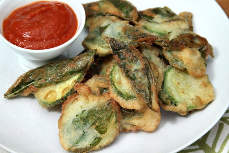 Zucchini fritters with sweetbasil