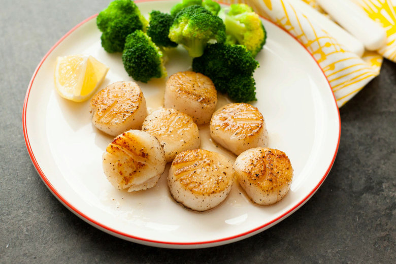 Quick Scallops with Lemon Butter Sauce