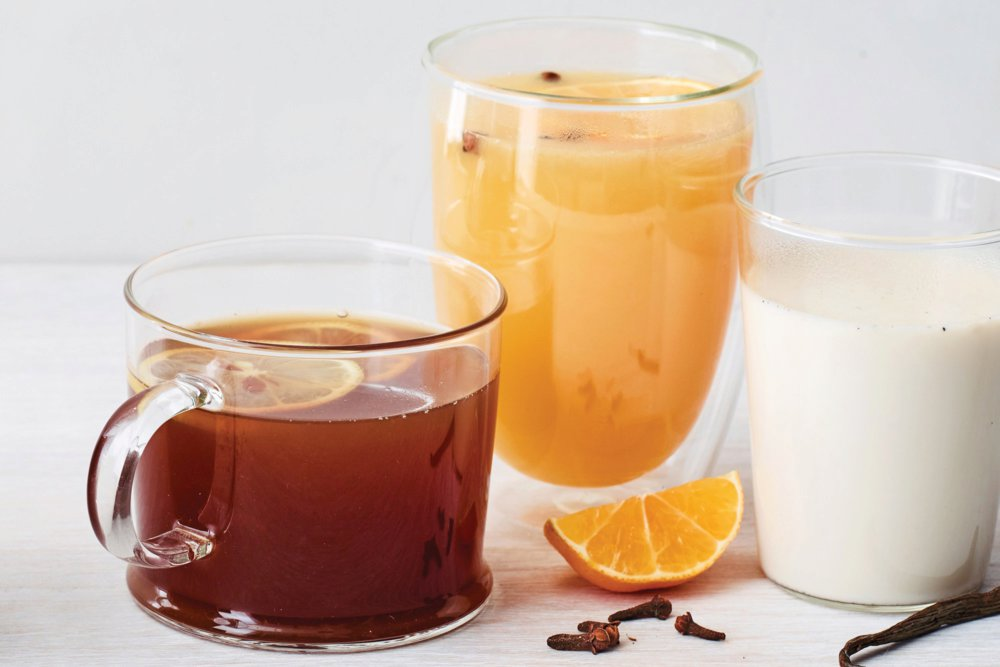 Slow-Cooker Star Anise–Black Pepper Hot Toddy