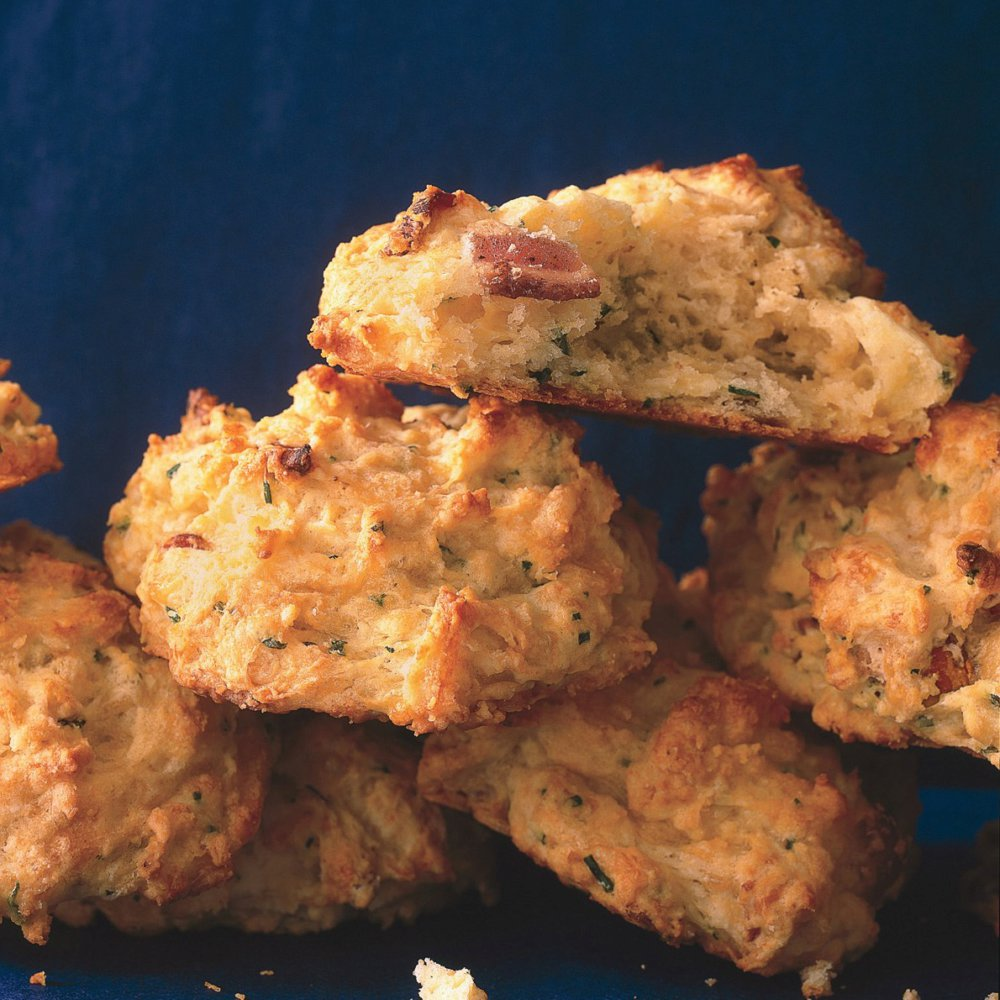 Cheddar, Bacon, and Fresh Chive Biscuits