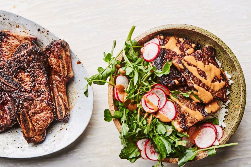 Miso- and Mayo-Marinated Short Ribs with Spicy Sauce