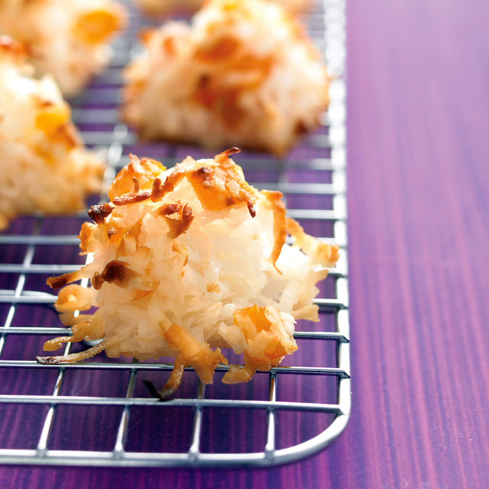 Coconut-Apricot Macaroons