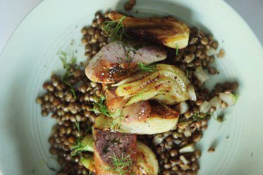 3-Ingredient Sausage Dinner With Lentils and Fennel