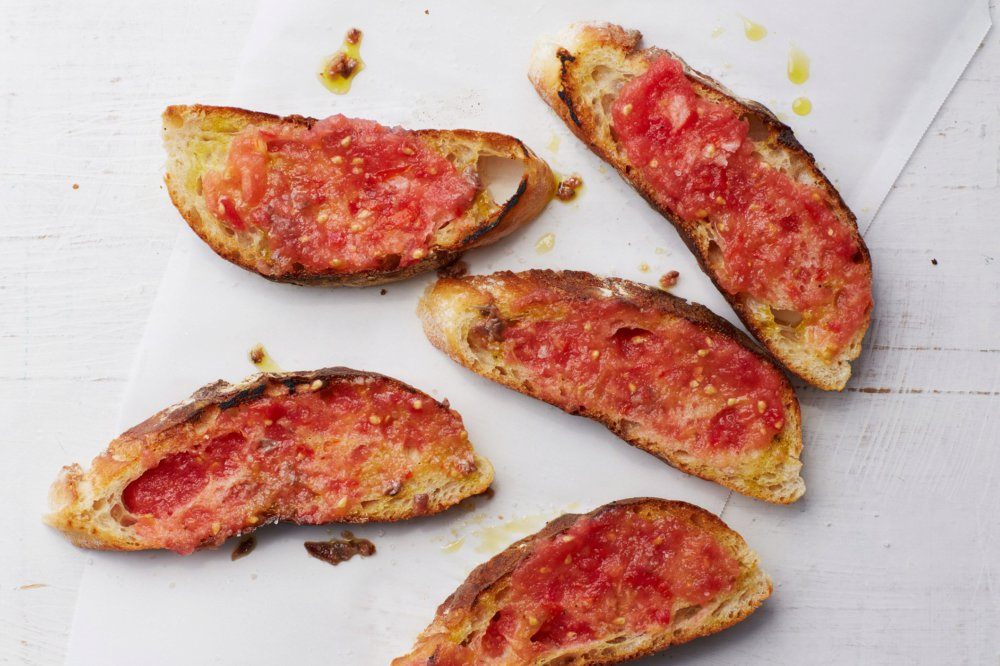 Spanish-Style Tomato Toast with Garlic and Olive Oil