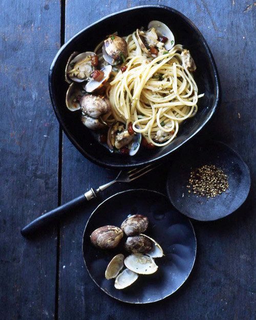 Linguine with Clams in Pepper Broth