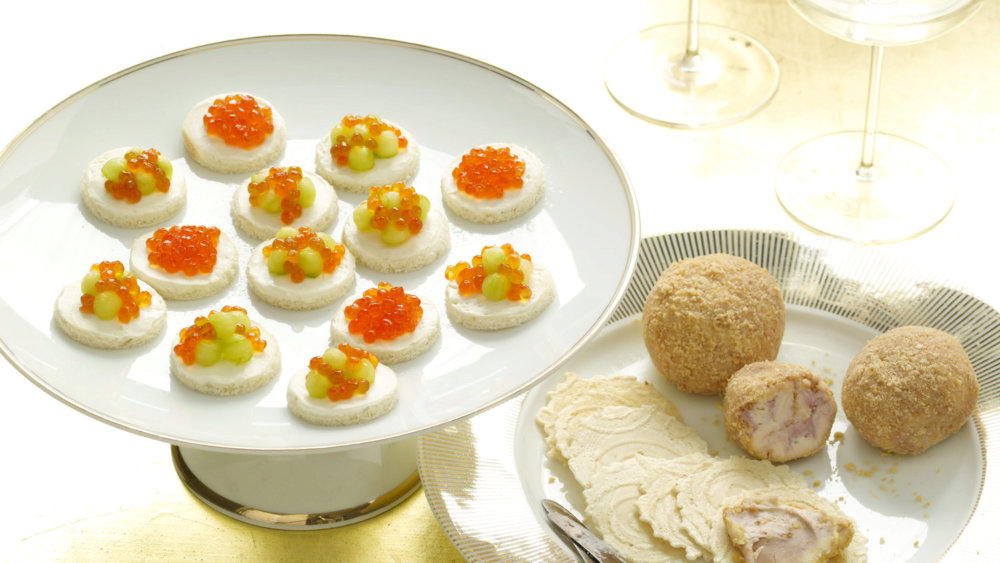Cucumber and Salmon Roe on Toasts