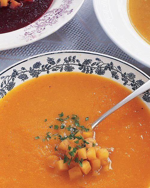 Roasted Acorn Squash Soup with Horseradish and Apples