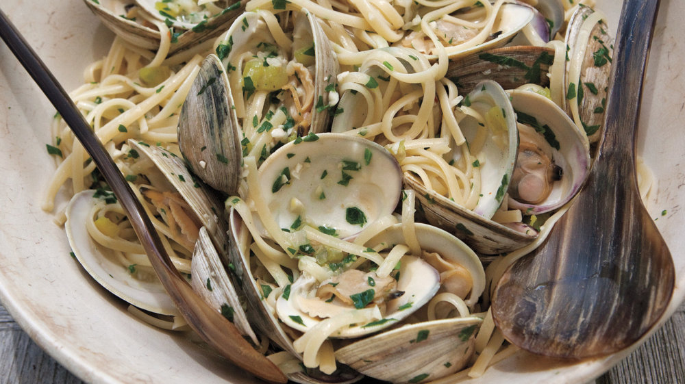 Linguine with Clams and Peppers