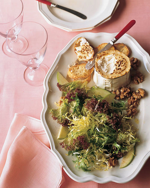 Frisee and Green-Apple Salad with Goat-Cheese Toasts