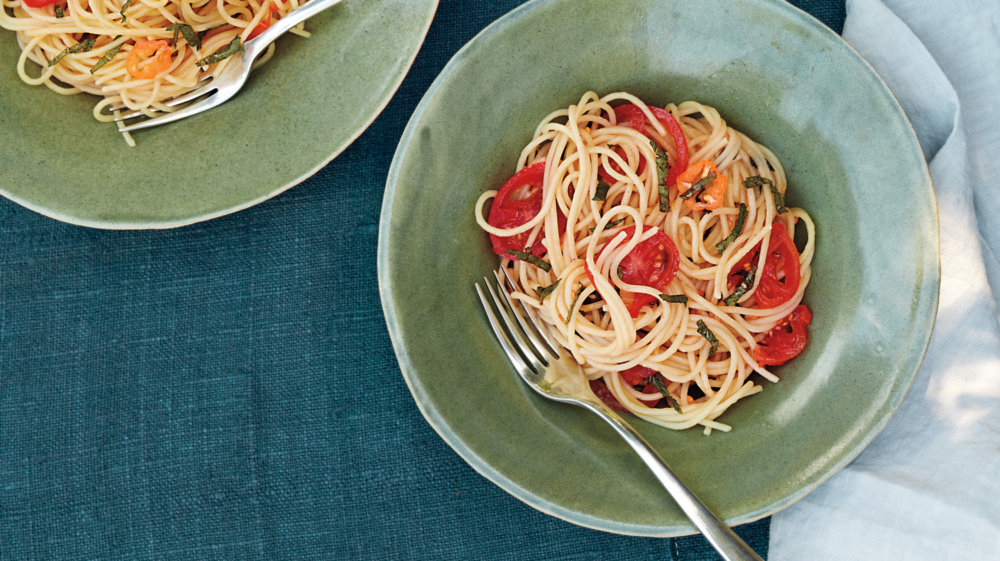Spaghetti with Cherry Tomatoes, Habanero Chile, and Mint