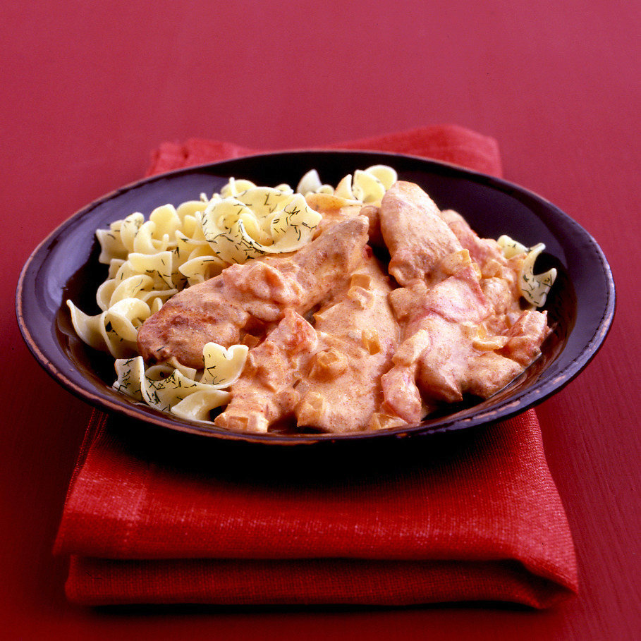 Chicken with Paprika Sauce