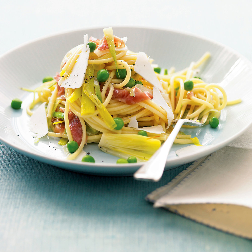 Pasta with Leeks, Peas, and Prosciutto