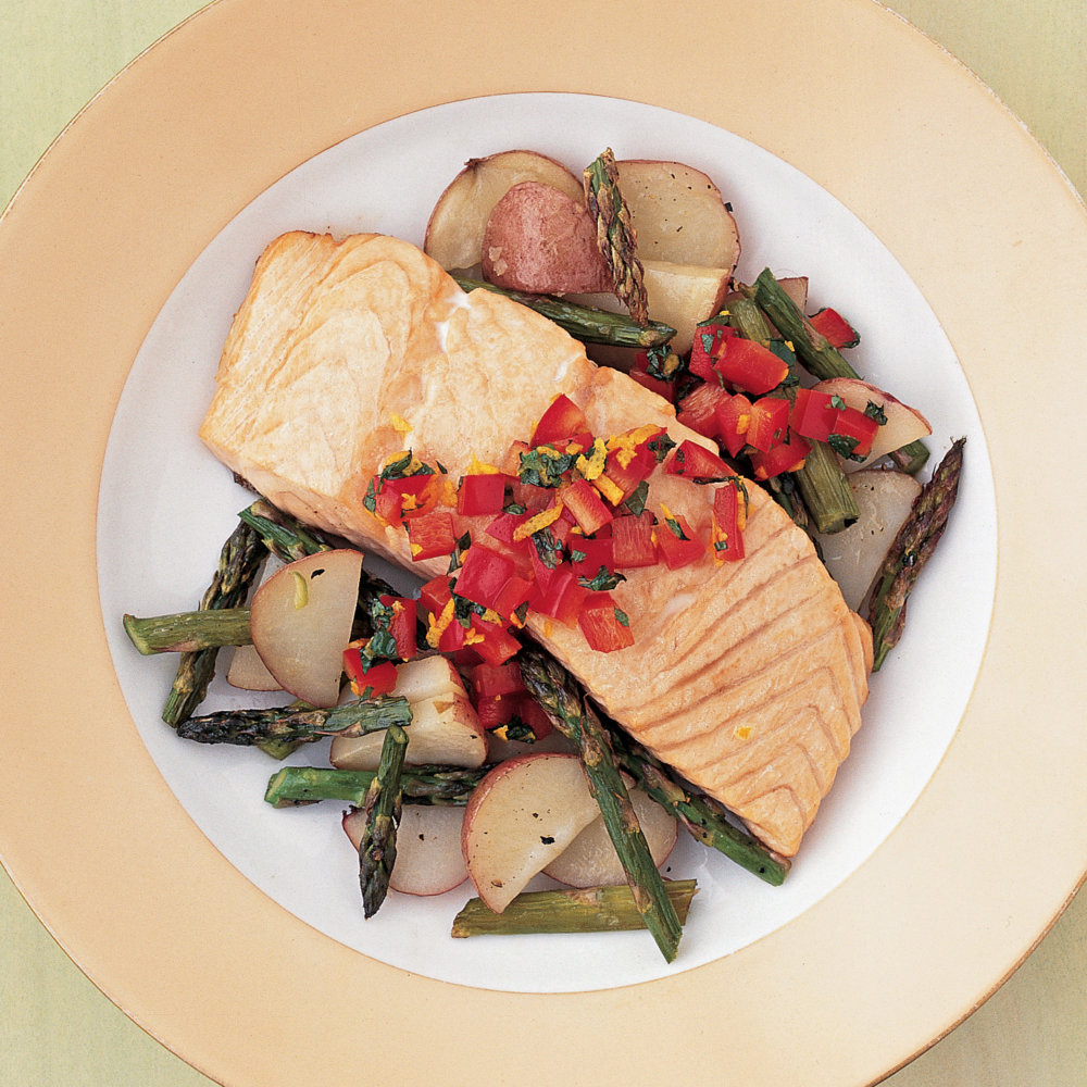 Salmon with Asparagus and Potatoes