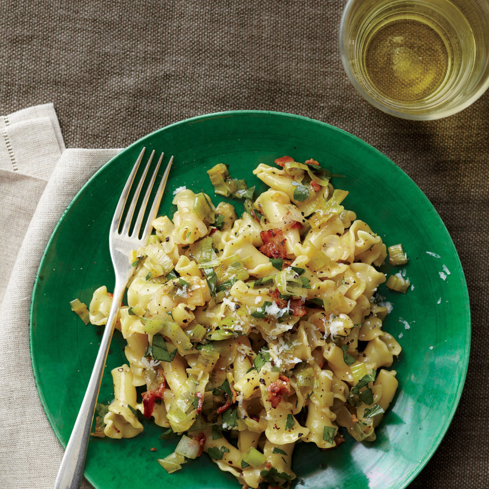 Pasta Carbonara with Leeks and Lemon