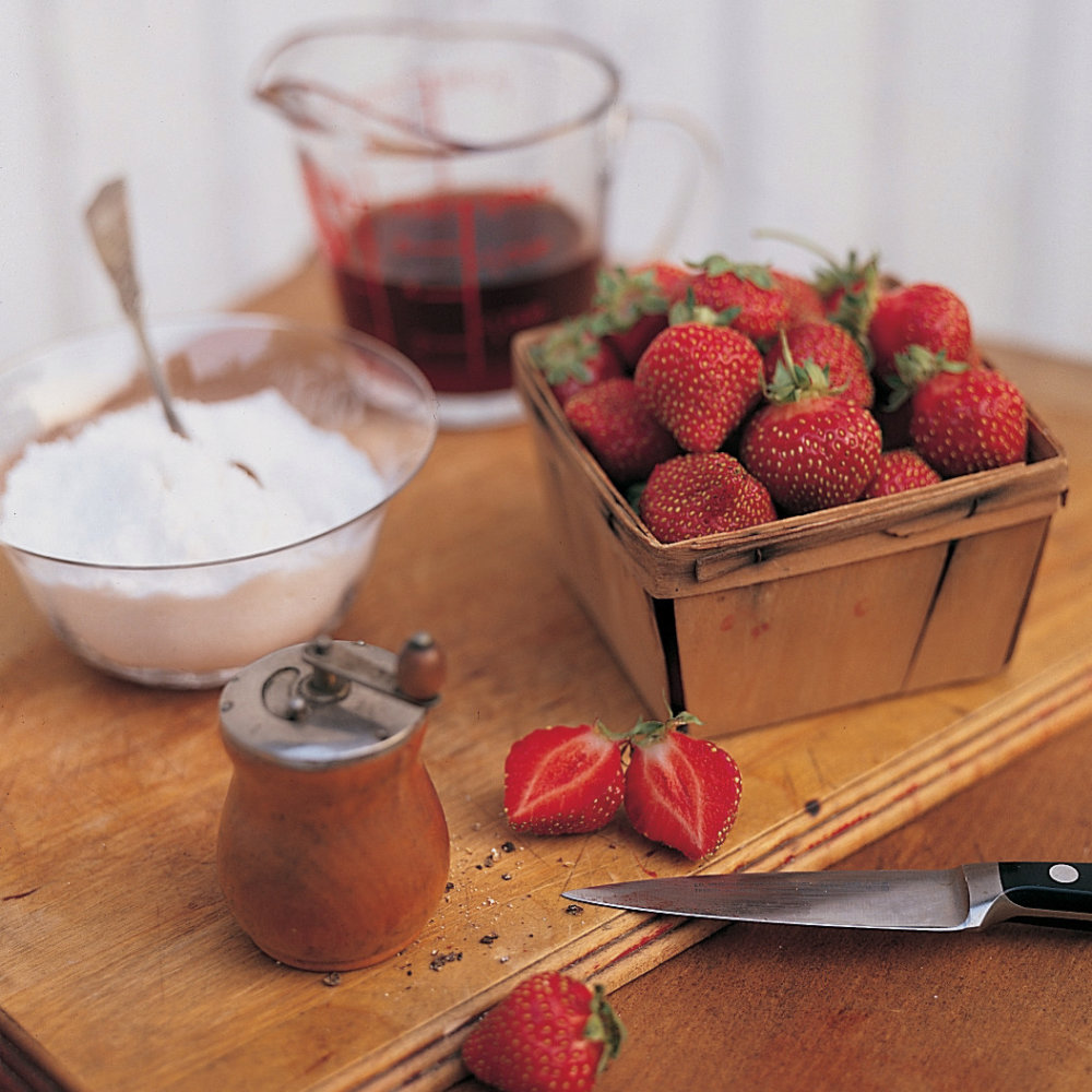 Ice Cream with Strawberries and Red Wine