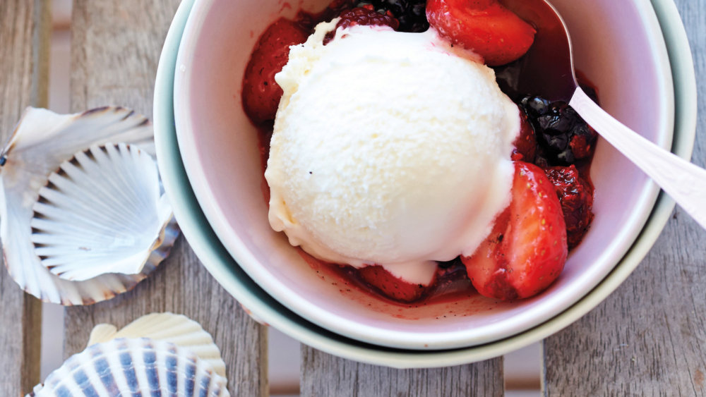 Lemon Ice Cream with Berries