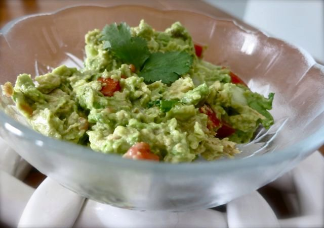 Easy Guacamole {for 1~or 2 if you're nice}