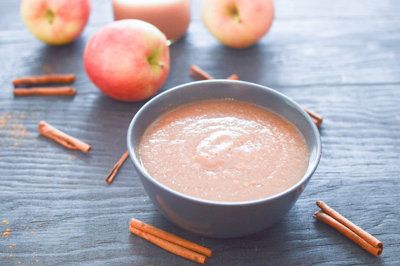 Quick and Easy Homemade Applesauce (Instant Pot)