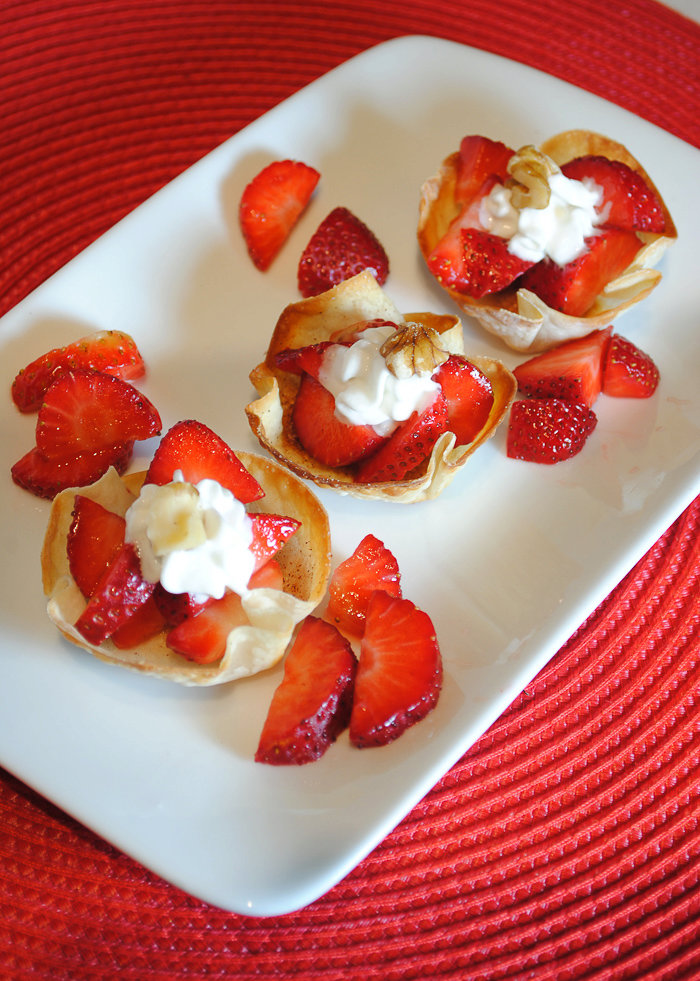 Wonton Cups Filled with Strawberries and Cream