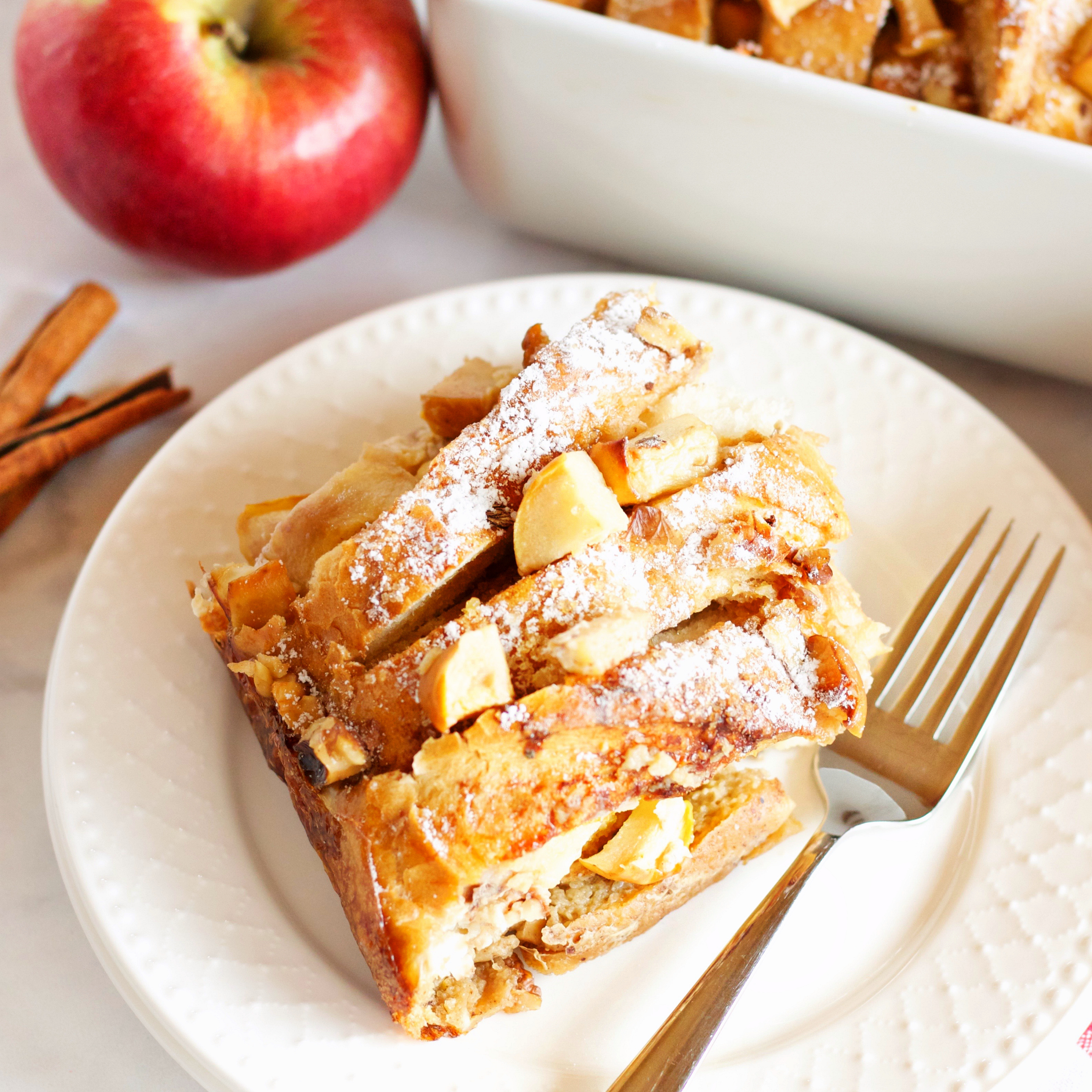 Apple Cinnamon French Toast Casserole