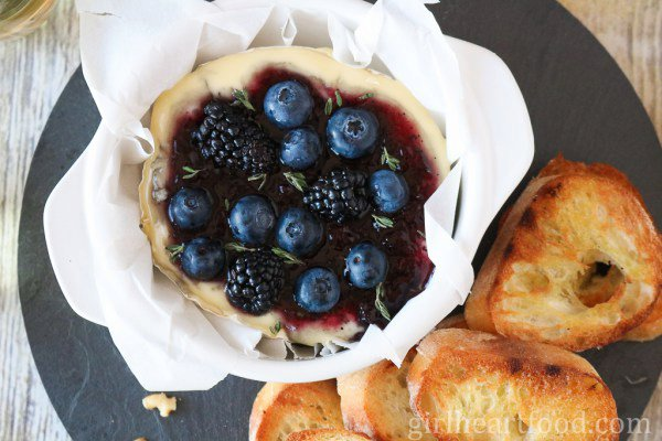 Baked Camembert with Berries, Thyme and Wine
