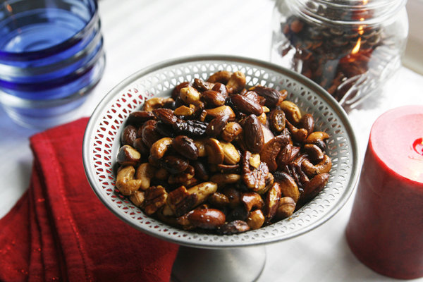 Spicy Rosemary Mixed Nuts