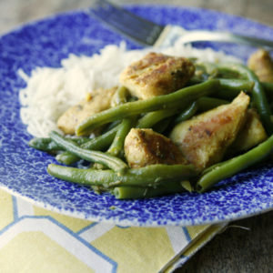 Easy Garlicky Chicken and Green Beans Skillet