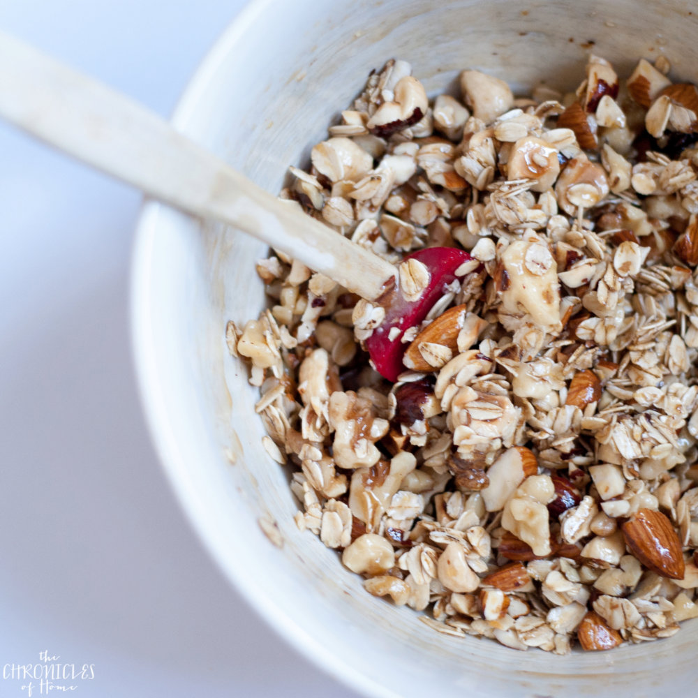 Oat and Nut Breakfast Crumble