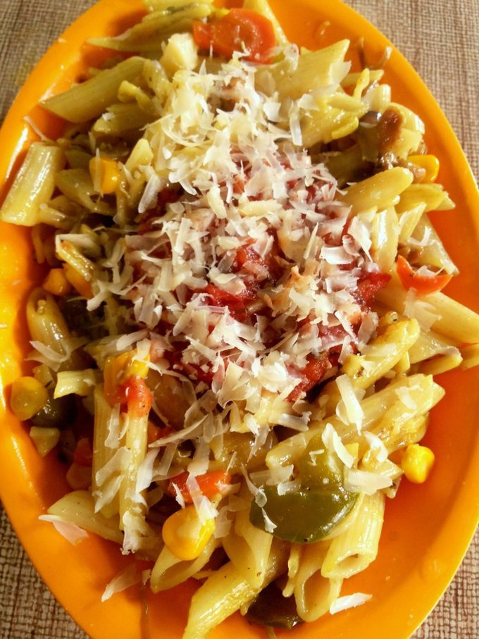 chicken pasta with grilled tomato sauce