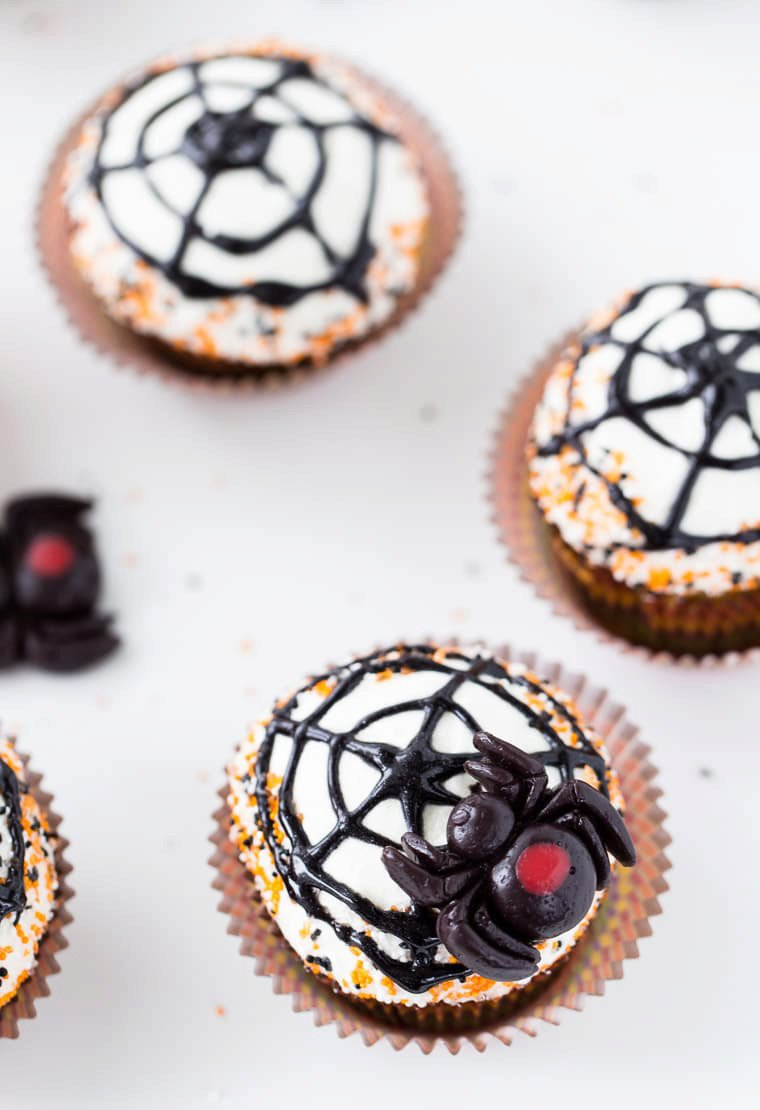 Spiderweb Cupcakes (Pumpkin Spice Cupcakes with Maple Cream Cheese Frosting)