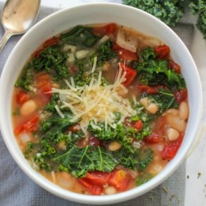 Slow Cooker Italian White Bean and Kale Soup