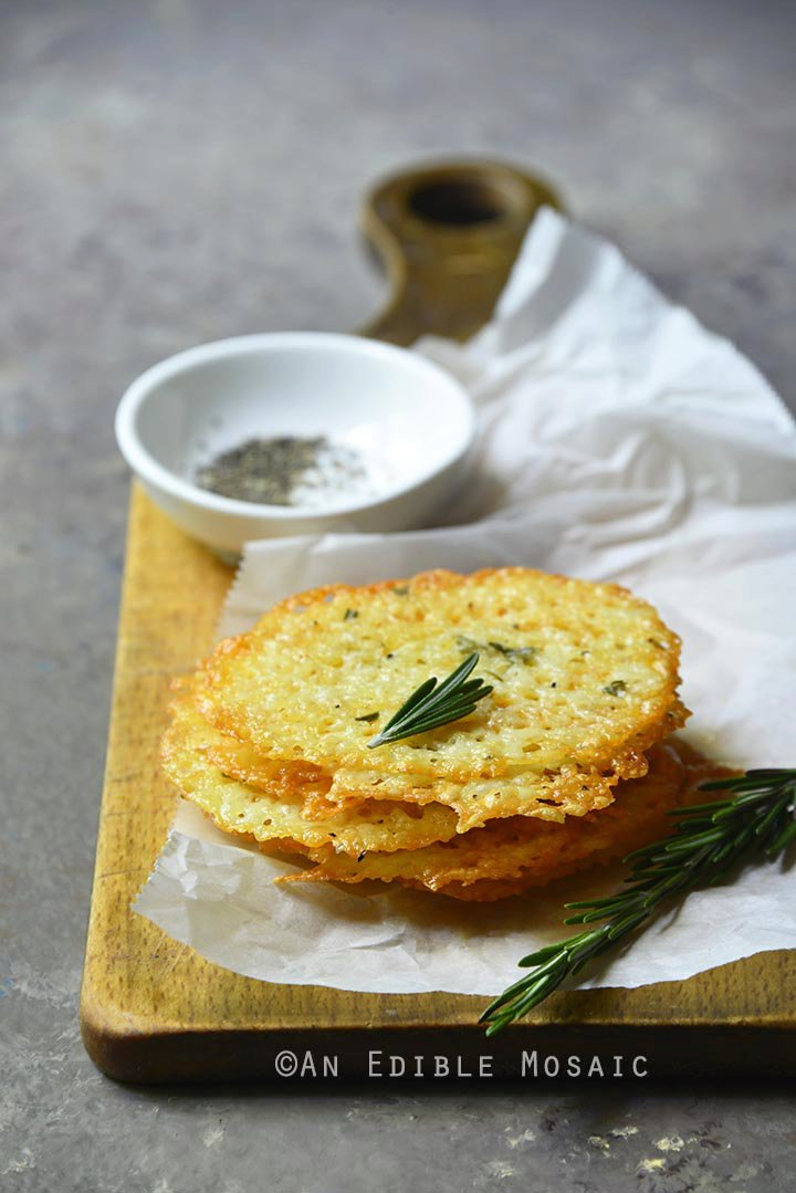 Low-Carb White Cheddar Crisps with Rosemary and Black Pepper