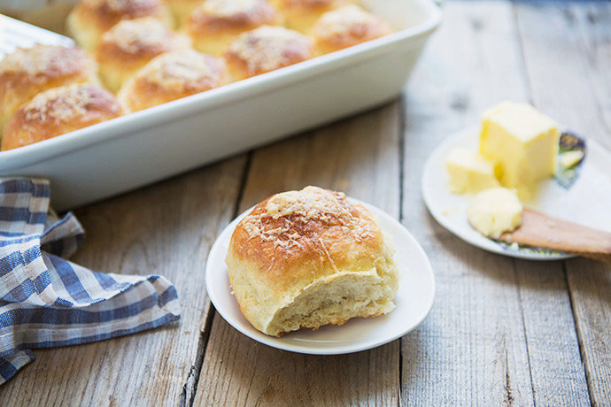 Cheese-Topped Potato Dinner Rolls