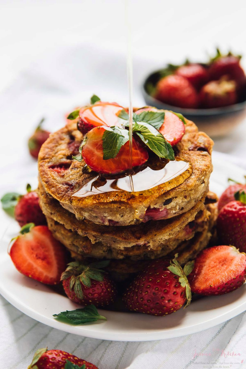 Fluffy Vegan Strawberry Pancakes (Gluten Free)