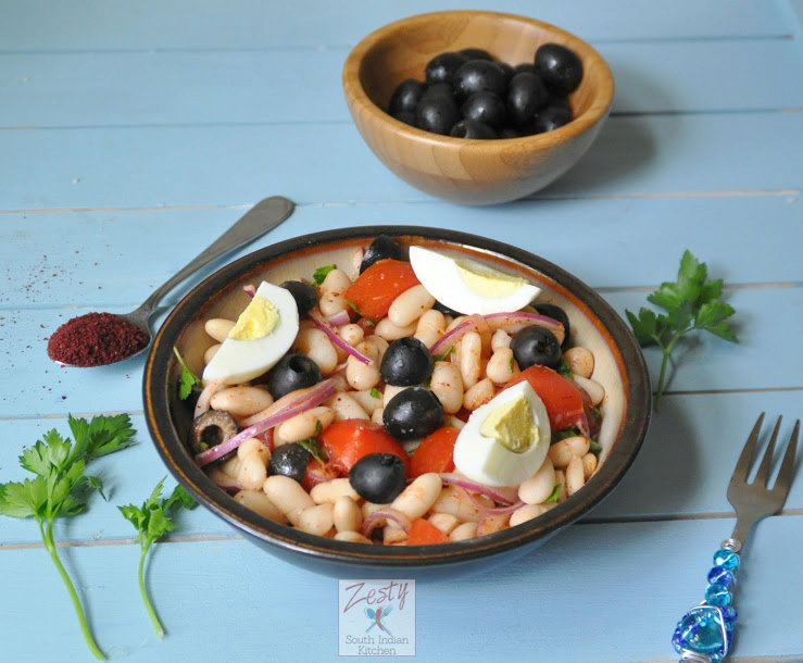 Fasulye Piyazi – Turkish bean salad with vegetables and olives