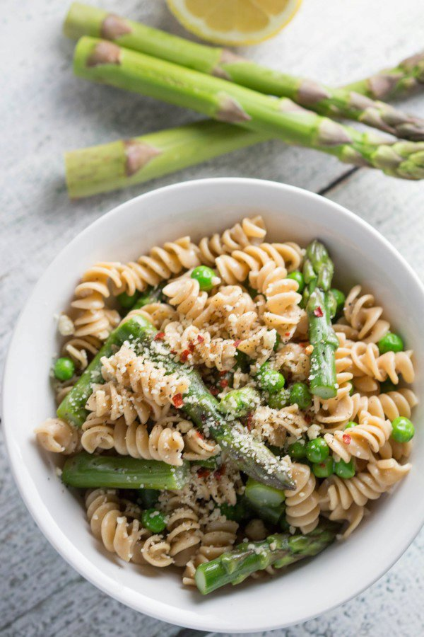 Spring Time Pasta with Asparagus and Peas