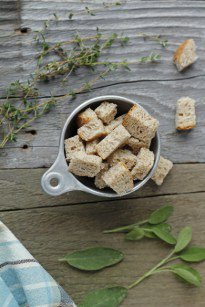 How to Make Bread Cubes for Thanksgiving Stuffing