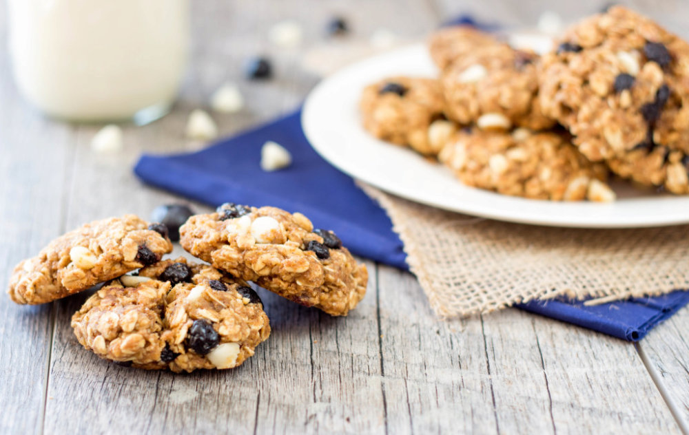 Healthy Oatmeal Blueberry White Chocolate Cookies