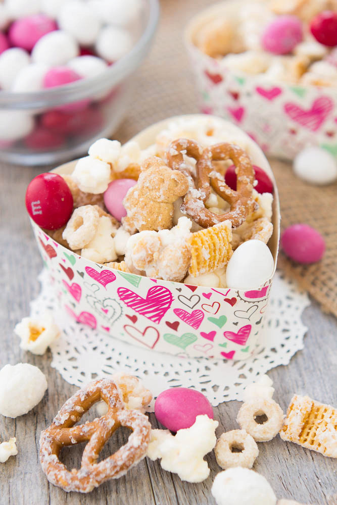 Sweet and Salty Snack Mix (Valentines)