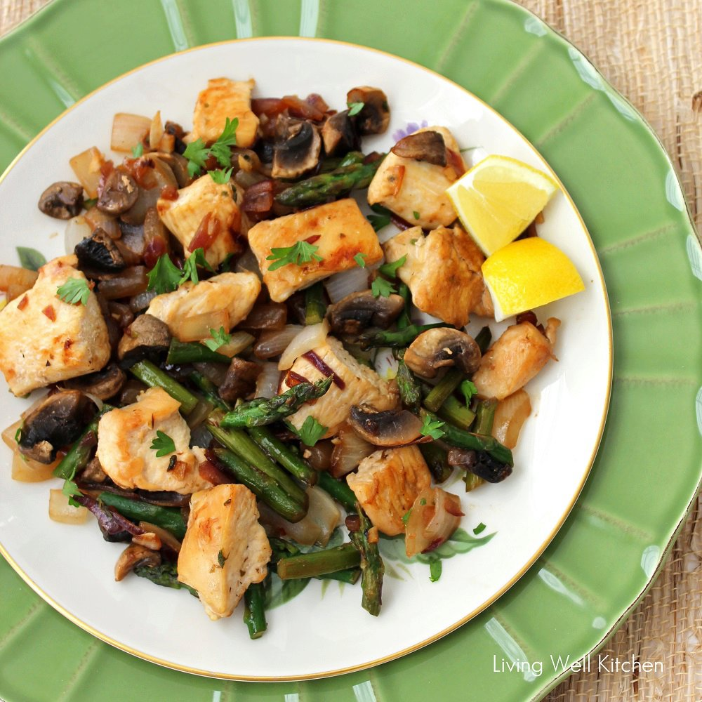 Lemon Chicken with Asparagus and Mushrooms