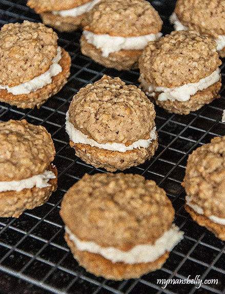 Oatmeal Cookies with Maple Cream Filling