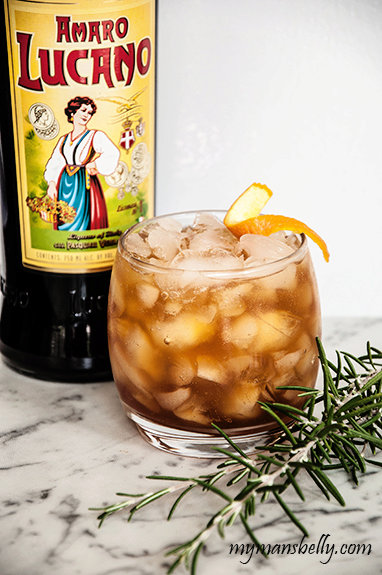 An Easy Thanksgiving Cocktail Recipe